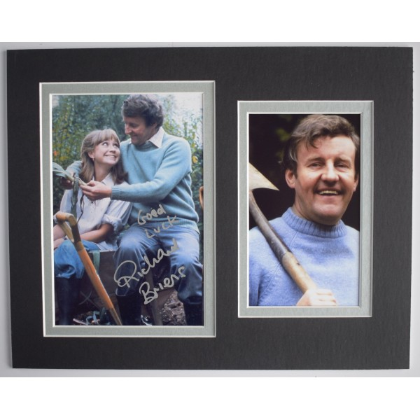 Richard Briers Signed Autograph 10x8 photo display Good Life TV AFTAL & COA Perfect Gift Memorabilia