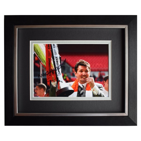 Mick Harford Signed 10x8 Framed Autograph Photo Display Luton Town AFTAL COA Perfect Gift Memorabilia