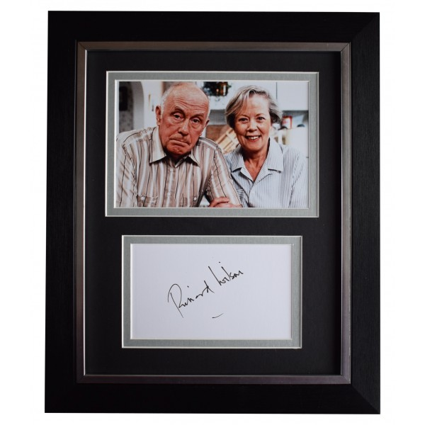 Richard Wilson Signed 10x8 Framed Autograph Photo Display One Foot in the Grave Perfect Gift Memorabilia