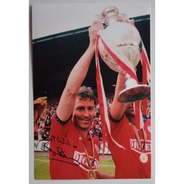 Bryan Robson Signed 12x8 Photo Autograph Manchester United Football AFTAL COA Perfect Gift Memorabilia