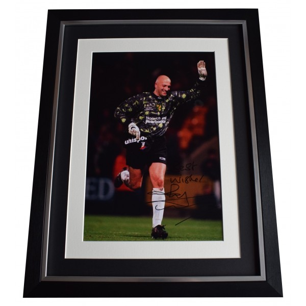 Bryan Gunn Signed Autograph 16x12 framed photo display Norwich City AFTAL COA Perfect Gift Memorabilia