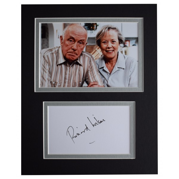 Richard Wilson Signed Autograph 10x8 photo display One Foot in the Grave COA Perfect Gift Memorabilia