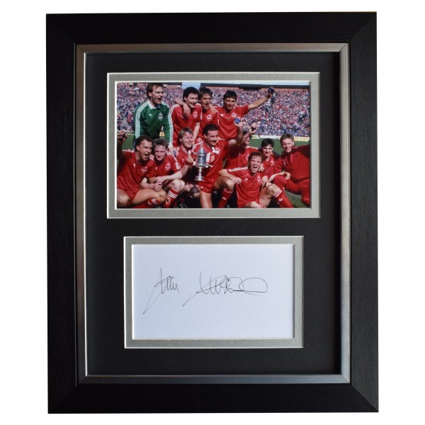 Jim Leighton Signed 10x8 Framed Autograph Photo Display Aberdeen Football COA  Perfect Gift Memorabilia