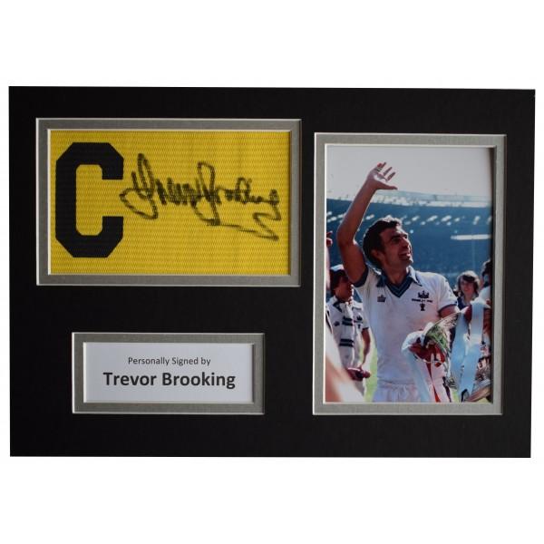 Sportagraphs LTD Trevor Brooking Signed A4 Framed Autograph Photo Display West Ham United /& COA