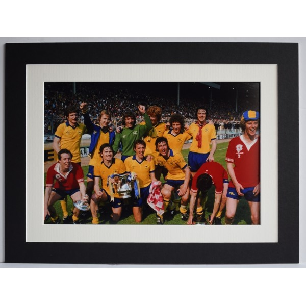 Andy Gray Signed autograph 16x12 photo mount display Wolves Football AFTAL COA Perfect Gift Memorabilia