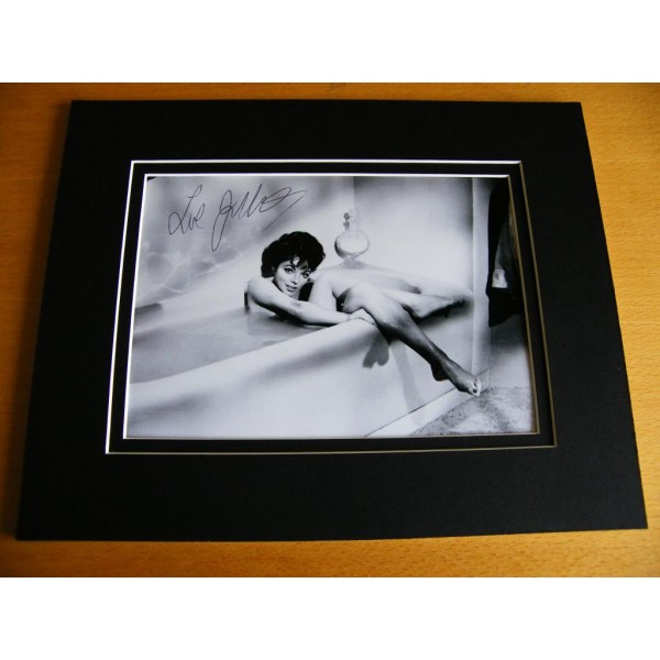 JOAN COLLINS HAND SIGNED AUTOGRAPH 10X8 PHOTO MOUNT SEXY DYNASTY ACTRESS  AFTAL & COA Memorabilia PERFECT GIFT