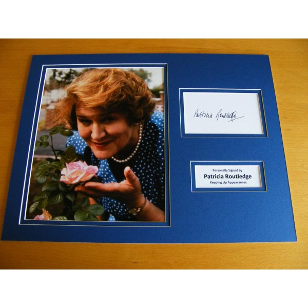 PATRICIA ROUTLEDGE HAND SIGNED AUTOGRAPH 16x12 PHOTO MOUNT HYACINTH BUCKET & COA