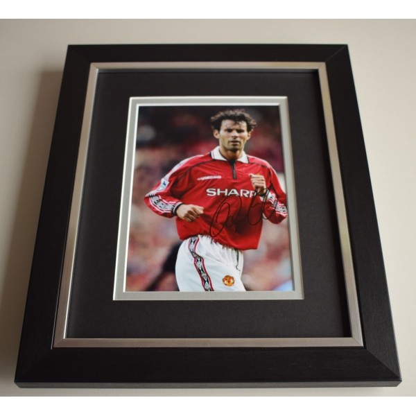 Ryan Giggs SIGNED 10X8 FRAMED Photo Autograph Display Manchester United  AFTAL & COA Memorabilia PERFECT GIFT