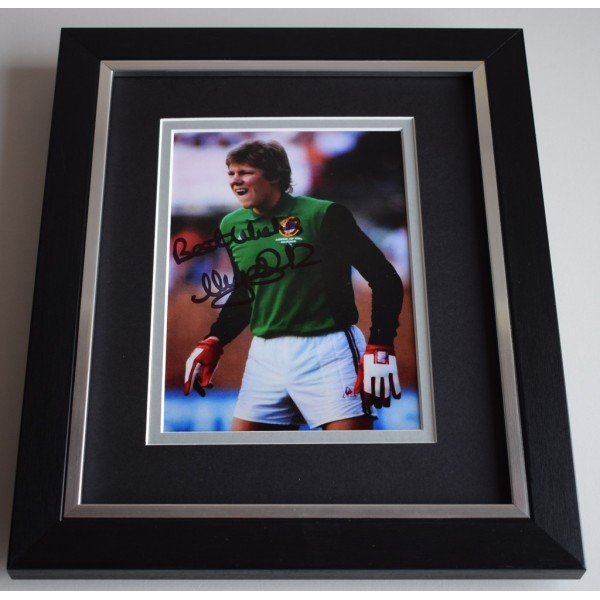 Nigel Spink SIGNED 10X8 FRAMED Photo Autograph Display Aston Villa Football   AFTAL & COA Memorabilia PERFECT GIFT