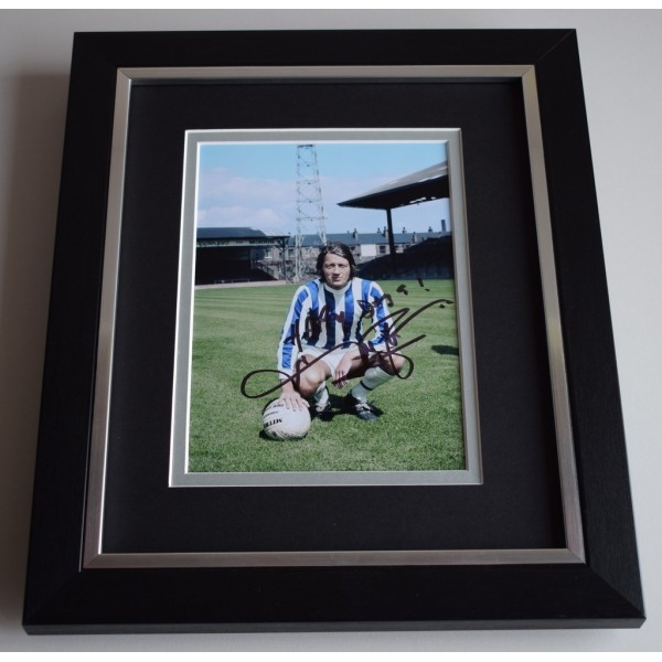 Frank Worthington SIGNED 10X8 FRAMED Photo Autograph Display Huddersfield  AFTAL & COA Memorabilia PERFECT GIFT