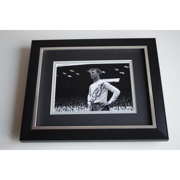 Jack Charlton SIGNED 10X8 FRAMED Photo Autograph Display Leeds United AFTAL & COA Memorabilia PERFECT GIFT