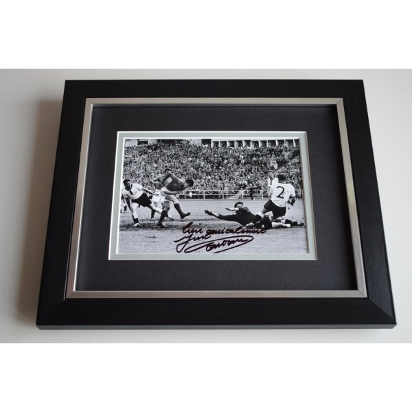 Just Fontaine SIGNED 10X8 FRAMED Photo Autograph Display France Football AFTAL & COA Memorabilia PERFECT GIFT