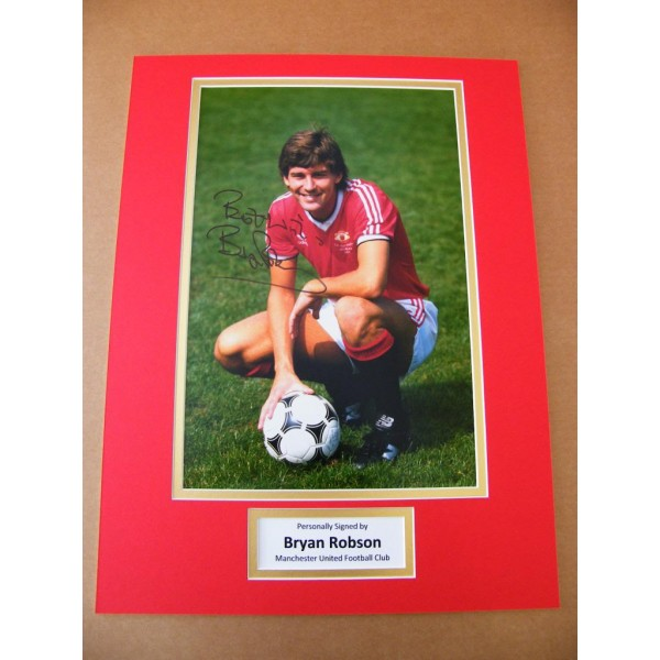 BRYAN ROBSON HAND SIGNED AUTOGRAPH 16x12 PHOTO MOUNT MANCHESTER UNITED & COA
