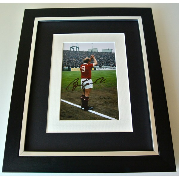Bobby Charlton SIGNED 10X8 FRAMED Photo Autograph Display Manchester United COA Perfect Gift
