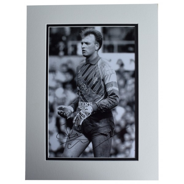 Bryan Gunn SIGNED autograph 16x12 photo display Norwich City Football  AFTAL  COA Memorabilia PERFECT GIFT