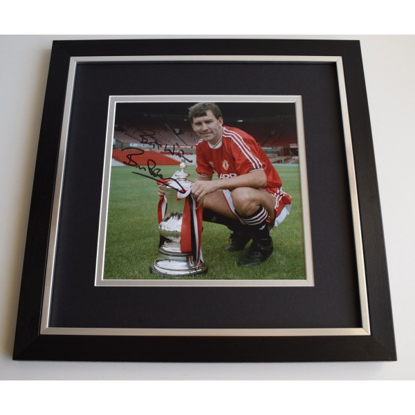 Bryan Robson SIGNED Framed LARGE Square Photo Autograph display Manchester UTD  Memorabilia  AFTAL & COA perfect gift