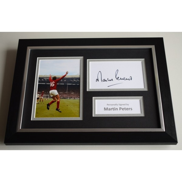 Martin Peters Signed A4 FRAMED photo Autograph display England World Cup 66 AFTAL & COA Memorabilia PERFECT GIFT