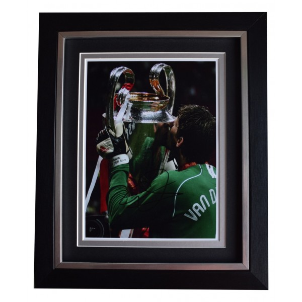 Edwin Van der Sar SIGNED 10x8 FRAMED Photo Autograph Display Manchester United AFTAL  COA Memorabilia PERFECT GIFT