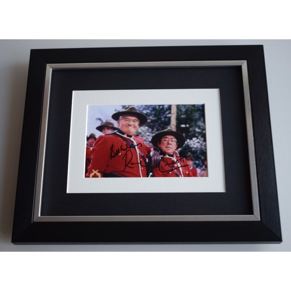 Ronnie Corbett SIGNED 10x8 FRAMED Photo Autograph Display Two Ronnies  AFTAL & COA Memorabilia PERFECT GIFT