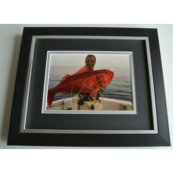 Robson Green SIGNED 10X8 FRAMED Photo Autograph Display Extreme Fishing TV & COA AFTAL Memorabilia PERFECT GIFT