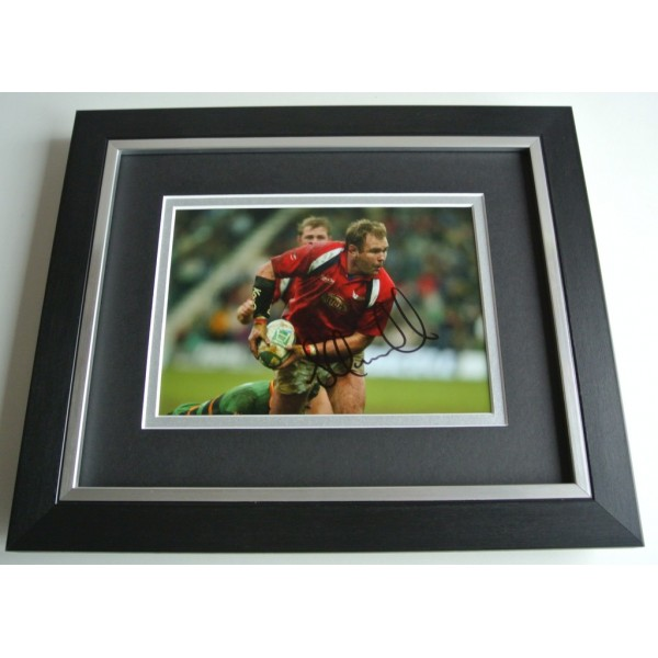 Scott Quinnell SIGNED 10X8 FRAMED Photo Autograph Display Wales Rugby Union COA AFTAL Memorabilia PERFECT GIFT