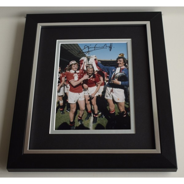 Jimmy Greenhoff SIGNED 10X8 FRAMED Photo Autograph Display Manchester United  AFTAL & COA Memorabilia PERFECT GIFT