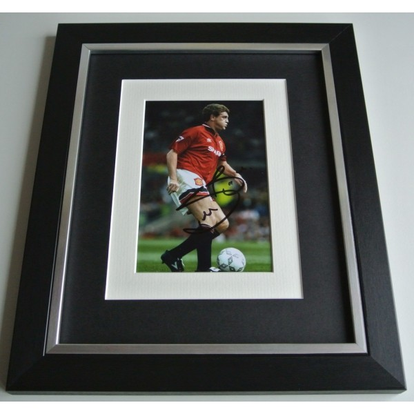 Steve Bruce SIGNED 10x8 FRAMED Photo Autograph Display Manchester United & COA AFTAL Memorabilia PERFECT GIFT