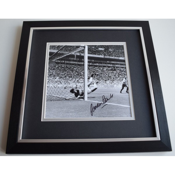Gordon Banks SIGNED Framed LARGE Square Photo Autograph display AFTAL PROOF COA Memorabilia   perfect gift