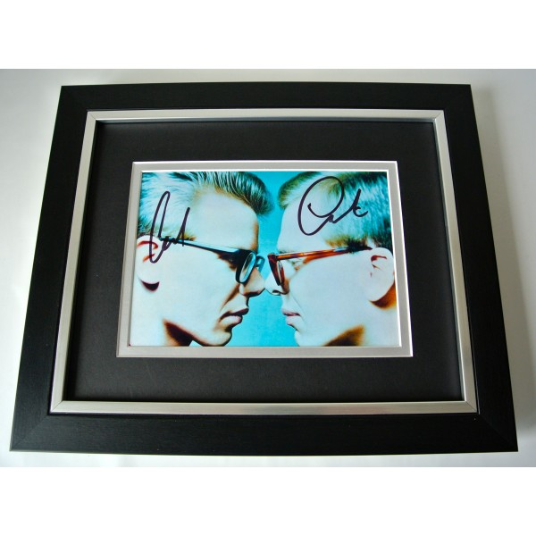 The Proclaimers SIGNED 10X8 FRAMED Photo Autograph Display Music Memorabilia COA Perfect Gift