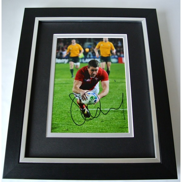 Shane Williams SIGNED 10X8 FRAMED Photo Autograph Display Rugby Union & COA Perfect Gift