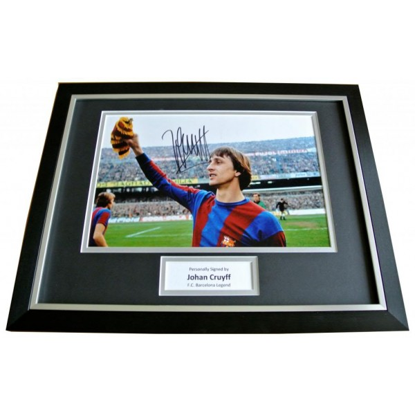 JOHAN CRUYFF HAND SIGNED & FRAMED AUTOGRAPH PHOTO MOUNT DISPLAY BARCELONA & COA