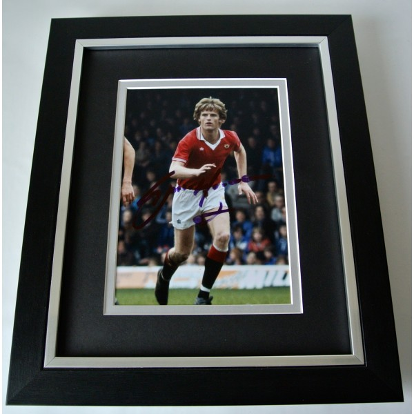 Gordon McQueen SIGNED 10X8 FRAMED Photo Autograph Display Man United PROOF & COA Perfect Gift