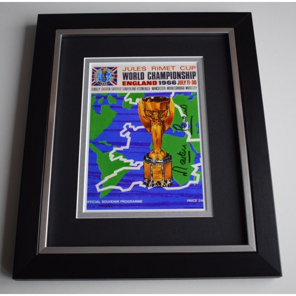 Martin Peters SIGNED 10X8 FRAMED Photo Display England World Cup 1966  AFTAL &  COA Memorabilia   perfect gift