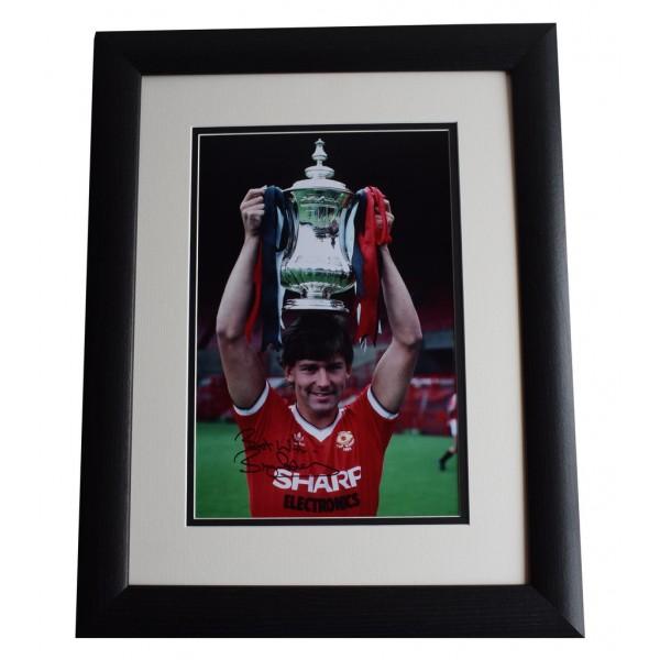 Bryan Robson SIGNED FRAMED Photo Autograph 16x12 LARGE display Man United & COA AFTAL MEMORABILIA