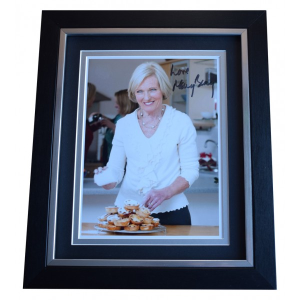 Mary Berry SIGNED 10x8 FRAMED Photo Autograph Display TV Bake Off AFTAL  COA Memorabilia PERFECT GIFT