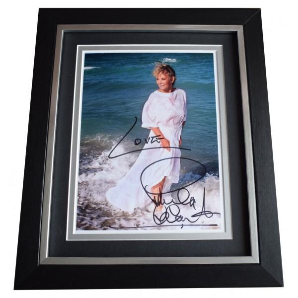 Petula Clark SIGNED 10x8 FRAMED Photo Autograph Display Music AFTAL  COA Memorabilia PERFECT GIFT