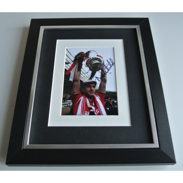 Norman Whiteside SIGNED 10x8 FRAMED Photo Autograph Display Manchester United COA & AFTAL Memorabilia PERFECT GIFT