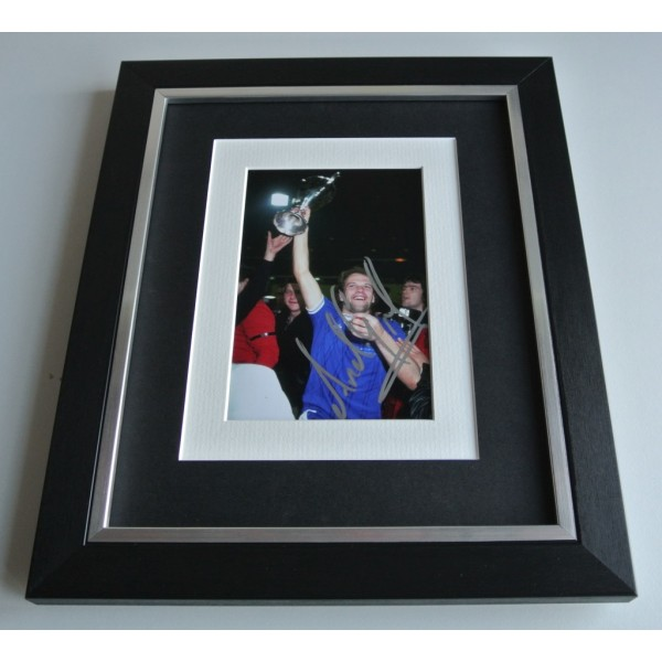 Andy Gray SIGNED 10x8 FRAMED Photo Autograph Display Everton Football PROOF COA & AFTAL Memorabilia PERFECT GIFT