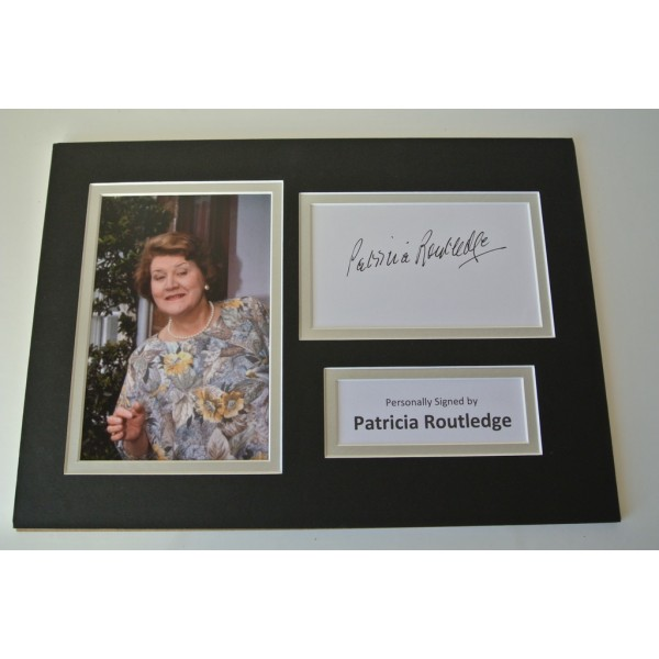 Patricia Routledge Signed Autograph A4 photo display Keeping Up Apprearances COA