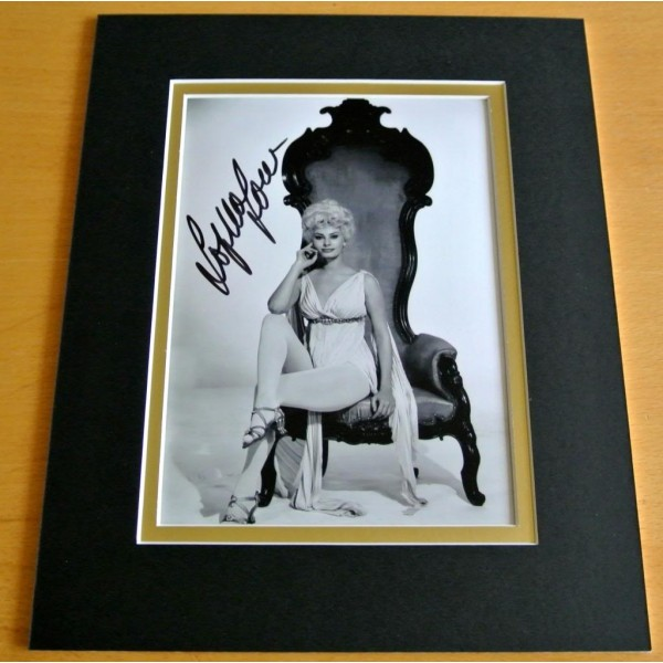 SOPHIA LOREN HAND SIGNED AUTOGRAPH 10X8 PHOTO MOUNT DISPLAY HOLLYWOOD FILM  COA    PERFECT GIFT