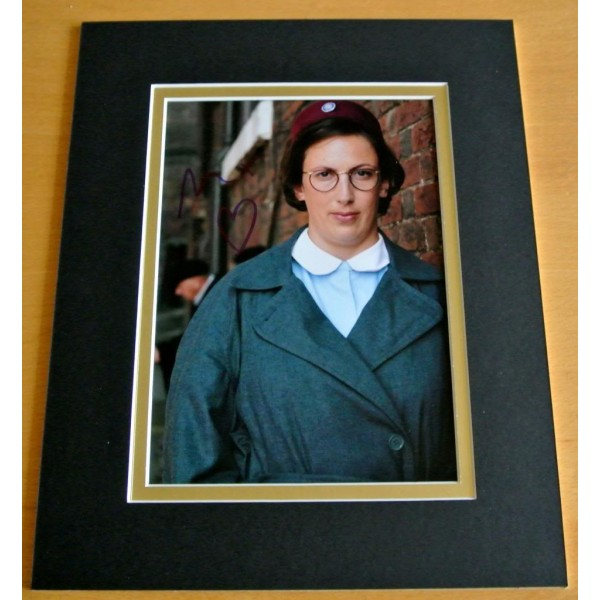 MIRANDA HART HAND SIGNED AUTOGRAPH 10X8 PHOTO MOUNT DISPLAY CALL MIDWIFE & COA    PERFECT GIFT