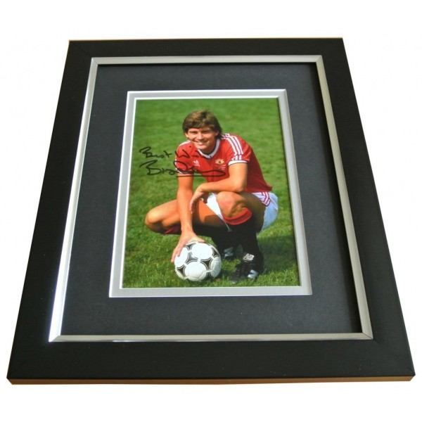 Bryan Robson SIGNED 10x8 FRAMED Photo Autograph Display Manchester United & COA PERFECT GIFT