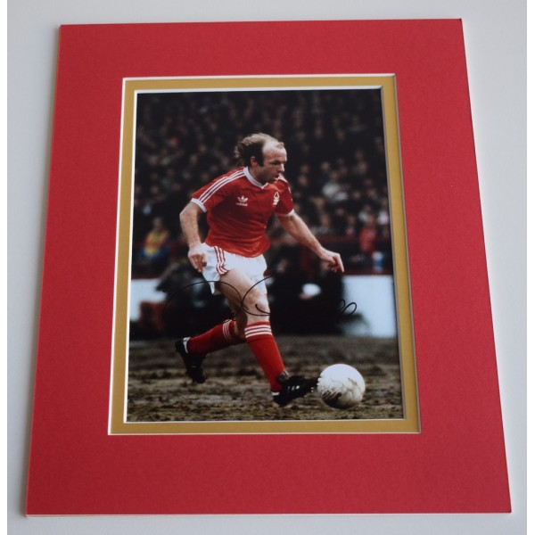 Archie Gemmill Signed Autograph 10x8 photo mount display Nottingham Forest & COA AFTAL MEMORABILIA