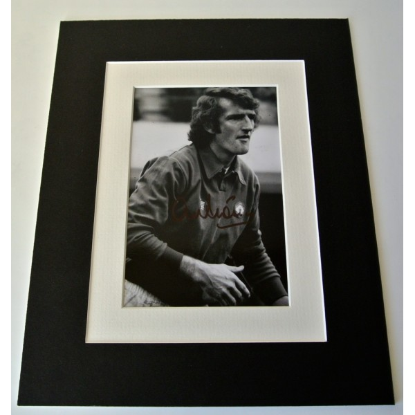 Alex Stepney Signed Autograph 10x8 photo display Manchester United Football COA