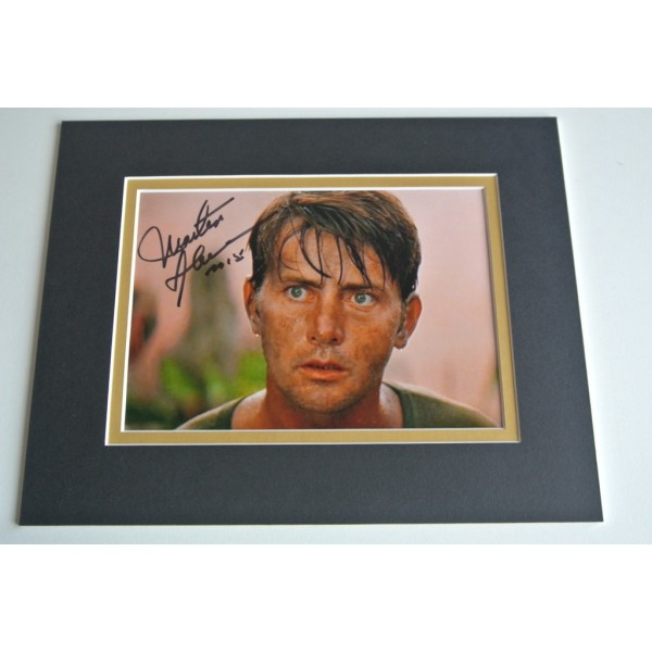 Martin Sheen Signed Autograph 10x8 photo mount display Apocalypse Now Film COA & AFTAL Memorabilia PERFECT GIFT