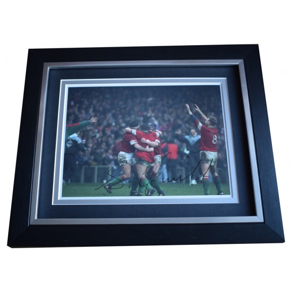 Scott Quinnell SIGNED 10x8 FRAMED Photo Autograph Display Wales Rugby Union AFTAL  COA Memorabilia PERFECT GIFT