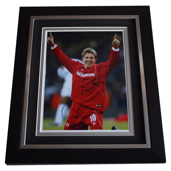 Juninho SIGNED 10x8 FRAMED Photo Autograph Display Middlesbrough Football AFTAL  COA Memorabilia PERFECT GIFT