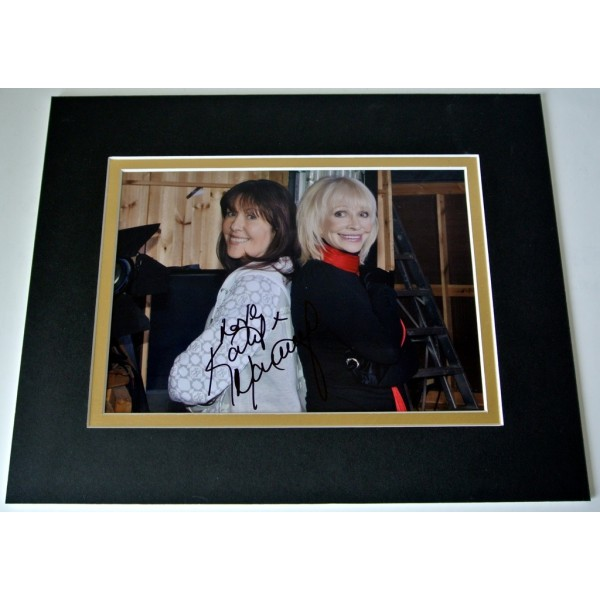 Katy Manning Signed Autograph 10x8 photo mount display TV Doctor Who & COA   PERFECT GIFT