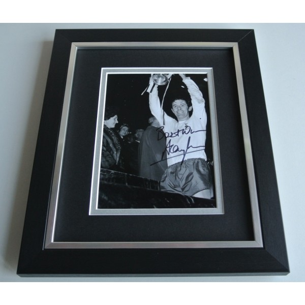 Alan Mullery SIGNED 10X8 FRAMED Photo Autograph Display Tottenham Hotspur AFTAL & COA Memorabilia PERFECT GIFT