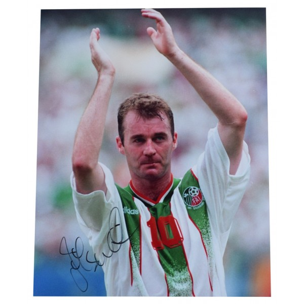 John Sheridan SIGNED 10x8 Photo Autograph Republic of Ireland Football AFTAL  COA Memorabilia PERFECT GIFT